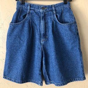 Vintage Lee 90s High Rise Mom Jean Shorts